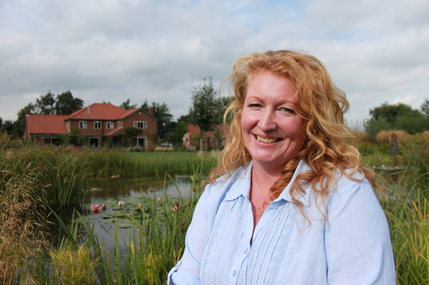 Retford Times – Gringley family's pond is a splash-hit with Outline's TV star